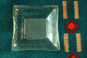 Geenart Nagel. Klaasist taldrik 12 x 12 cm. Hind 15.-