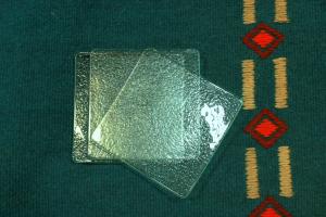 Geenart Nagel. Klaasist taldrikud 11 x 11 cm. Hind 10.-/tk
